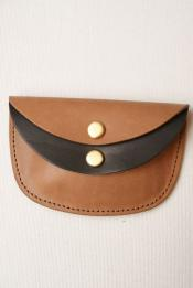 "Dapper's (ダッパーズ) ダブルフラップコインケース 1192 ""Combination Double Flap Oval Coin Wallet"" ブランデー/ブラック"